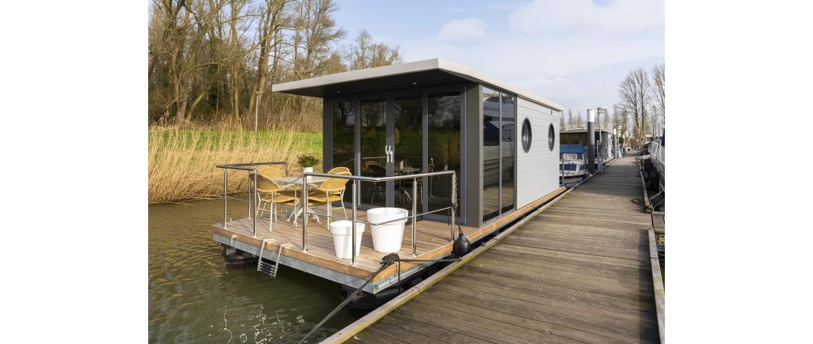 Dion - Livingboats_05.jpg