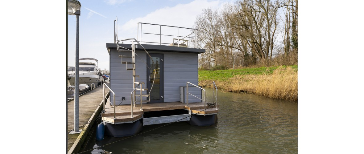 Dion - Livingboats_01.jpg