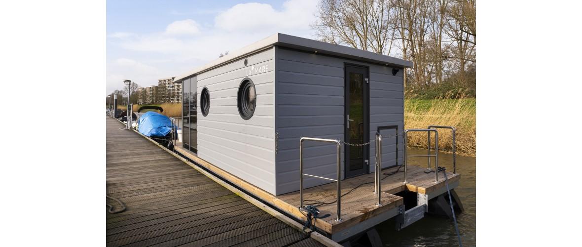 Dion - Livingboats_03.jpg